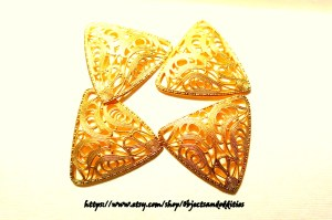 triangle_gold_satin