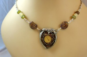 soldered-necklace-with-clock