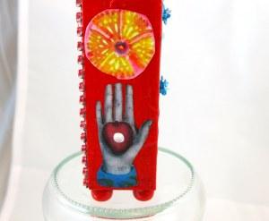 Frida-metal-flowers-red-case-3
