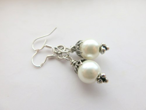gray-white-silver-bridal-earrings-2