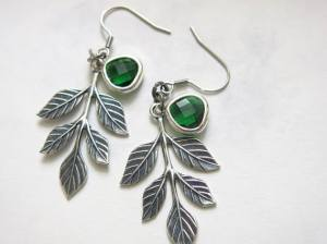 https://www.etsy.com/listing/517469264/bridesmaid-emerald-green-earring-wedding?ref=shop_home_active_30